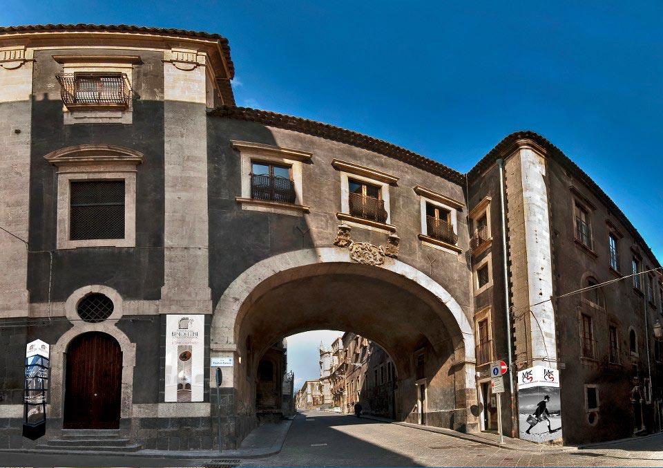 Sito storico monastero san benedetto di catania bed and for Sito storico